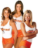 Hooters-3