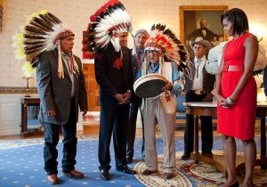 obama-indians-feathers